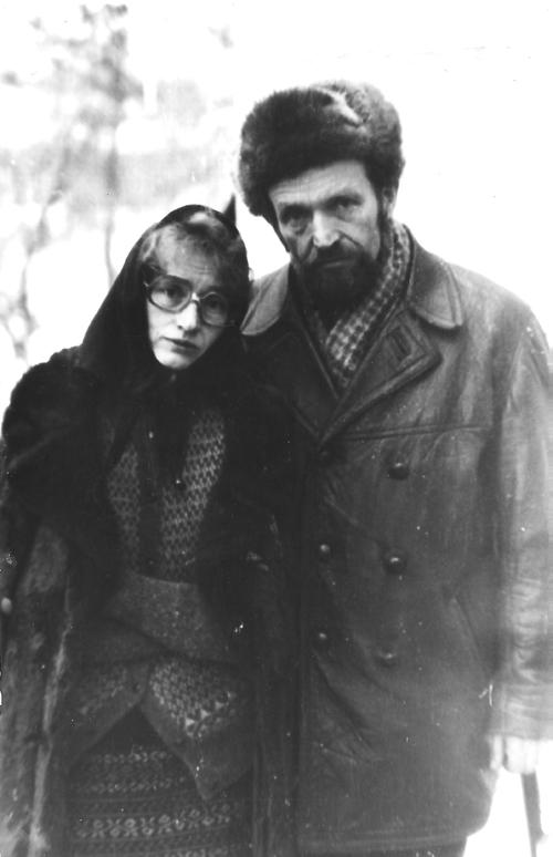 1985 р., В'ячеслав та Валентина на похоронах матері