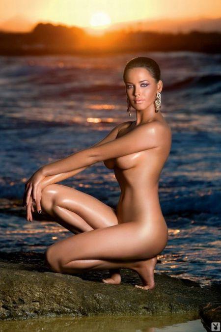 фото голы х девушек